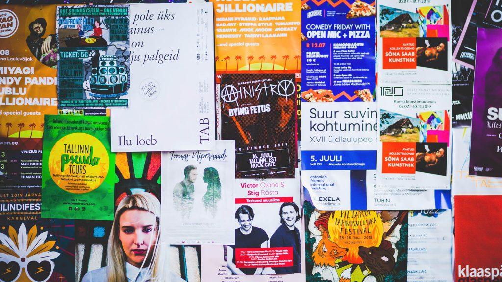 cartazes publicitários